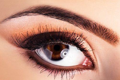 Біотатуаж стрілок на очах: хна і поле експериментів