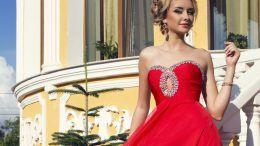 Біжутерія до червоної сукні: створюємо фатальний образ!