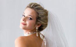 Біжутерія до весільної сукні: вибір стильних наречених
