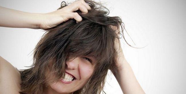 Біль в коренях волосся на голові. Чому і що робити