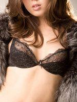 Велика жіночі груди подобається тільки молодим чоловікам