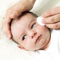 Що робити, якщо у дитини червоні очі, причини і лікування
