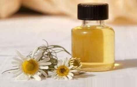 Ефірна олія ромашки застосування