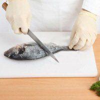 Як чистити рибу, вчимося правильно її обробляти