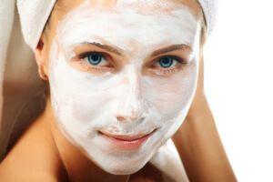 Як робити маски для обличчя: вікові і сезонні нюанси