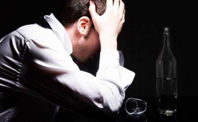 Як допомогти чоловікові кинути пити?