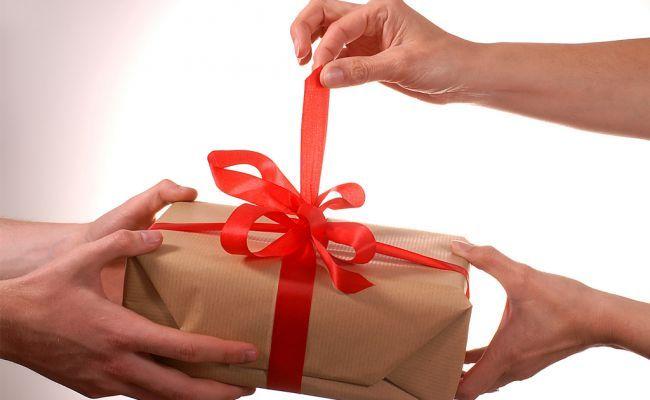 Як привітати коханого чоловіка з днем народження?
