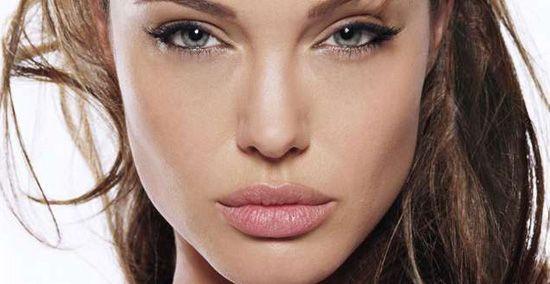 Які губи ви можете побачити в дзеркалі після татуажу