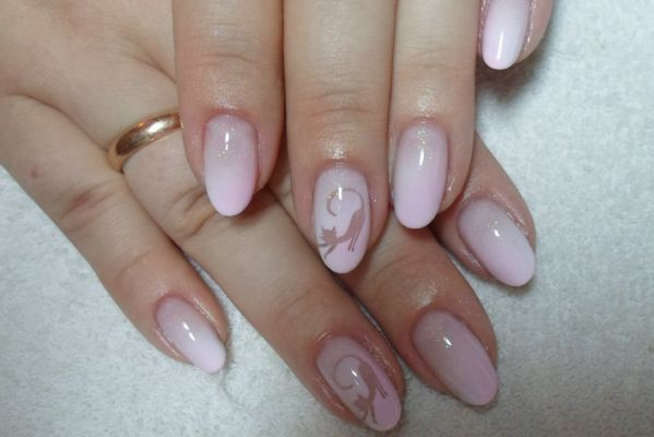 Красиво і модно - аерографія на нігтях