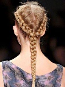 Краса в витонченому обрамленні: зачіски на середні волосся з плетінням