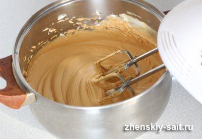 готовий крем для торта із згущеного молока