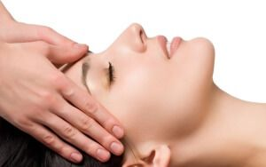 Лімфодренажний масаж обличчя в домашніх умовах: тонкощі процедури