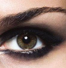 Макіяж зима 2009-2010: smokey eyes - модний вечірній макіяж ваших таємничих очей. Як зробити макіяж smokey eyes. Smokey eyes (смокі айз) в картинках