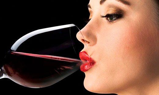 Чи можна пити алкоголь після процедури татуажу