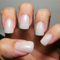 Накладні нігті в домашніх умовах