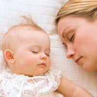 Чому не спить новонароджений, причини поганого сну