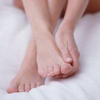 Чому опух палець на нозі, основні причини його запалення