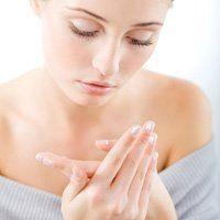 Чому тріскаються пальці на руках, лікування і причина проблеми