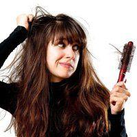 Причини випадіння волосся у дівчат, найпоширеніші випадки