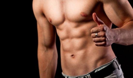 Розтяжки у чоловіків: чи потрібно з ними боротися і які методи будуть ефективними