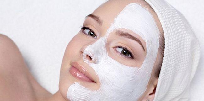 Рецепти домашніх омолоджуючих масок для обличчя
