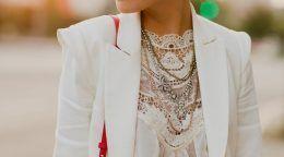 З чим носити білий жакет, щоб бути в тренді?