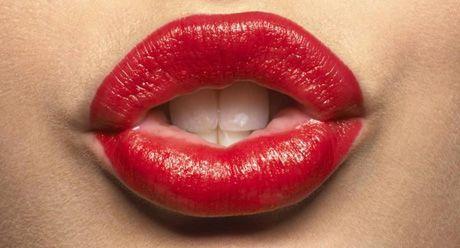 Татуаж губ з розтушовуванням: особливості та переваги методу