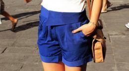 Темно-синій колір в одязі - модні поєднання!