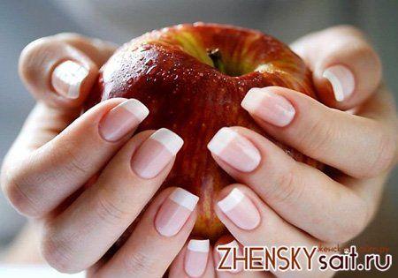поперечні тріщини на нігтях
