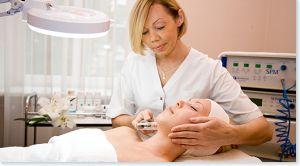 Вакуумний масаж обличчя: види, ефективність, техніка виконання, результати від процедури